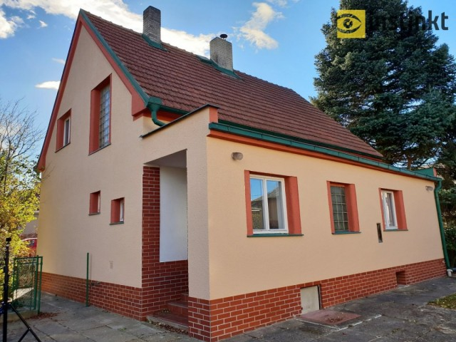 RD 4+1 (695 m2), ul. Karla Tomáše, Praha 9 - Horní Počernice